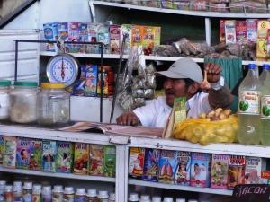 Venditore ambulante ad Arequipa - Perù 2014