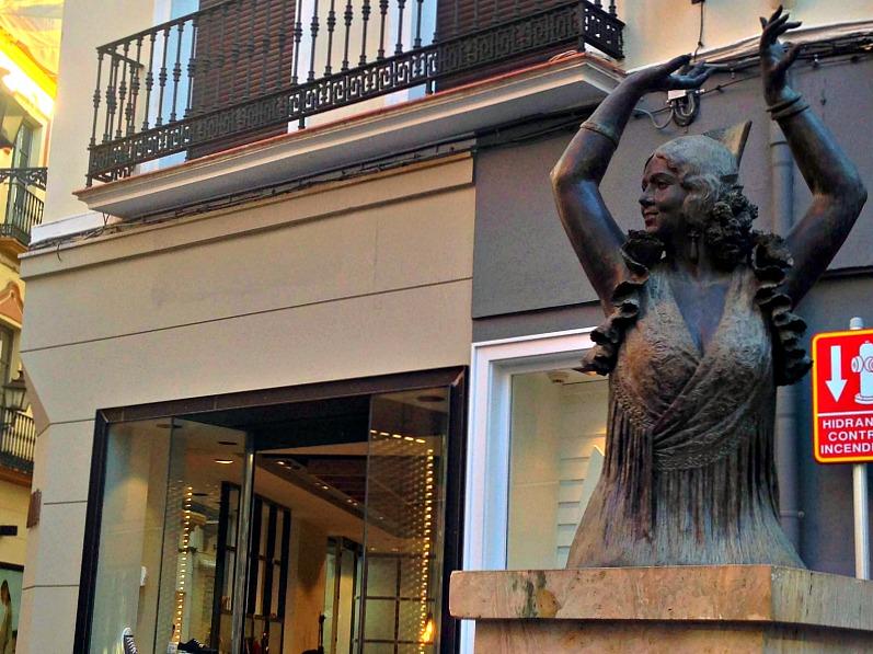 ballerina_statua_siviglia